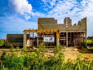 Vooraanzicht aanbouw woning